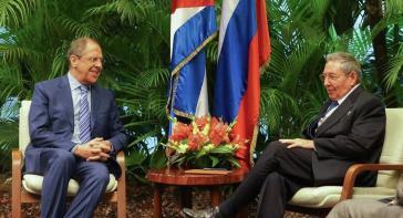 Russlands Außenminister Sergej Lawrow beim Treffen mit Kubas Präsident Raúl Castro