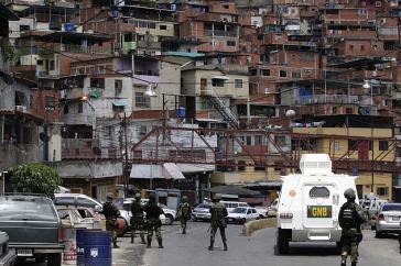 Polizeieinheiten beim Einsatz in El Paraíso, Caracas