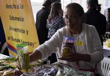 """Mit dem Konzept der """"economía popular y solidaria"""" geht es auch um das Recht auf Ernährungsssouveränität und  """"Sumak kawsay"""" (Gutes Leben)"""