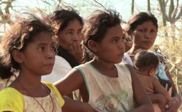In La Guajira sind von 2008 bis 2013 4112 Kinder an Unterernährung und verhinderbaren Kinderkrankheiten gestorben (Screenshot)