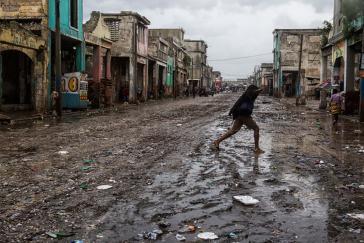 Schlammige Straße nach dem Hurricane Mathews am 4. Oktober in Port-au-Prince
