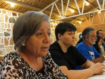 Mitglieder der internationalen Beobachtermission zur Menschenrechtslage in Honduras bei einer Zusammenkunft mit den Angehörigen der ermordeten Aktivistin Berta Cáceres