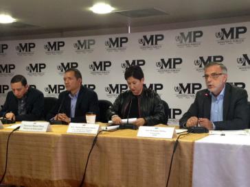 Pressekonferenz von Staatsanwaltschaft und CICIG. Von rechts: CICIG-Direktor Iván Velásquez Gómez, Generalstaatsanwältin Thelma Aldana, Innenminister Francisco Rivas
