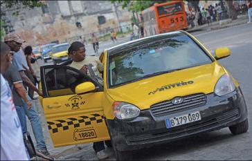 """""""Taxis ruteros"""": 60 PKW der Marken Lada und Huyndai fahren nun in der Hauptstadt"""