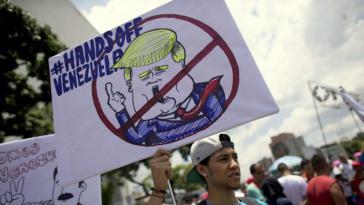 """Demonstration in Caracas gegen US-Sanktionen: """"Trump - Hände weg von Venezuela"""""""