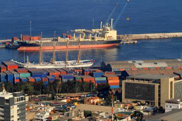 Auch ein Streitpunkt mit Bolivien: Hafen von Antofagasta