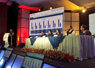 Mitglieder des Wahlrates von Ecuador geben die Ergebnisse des Referendums vom 4. Februar bekannt