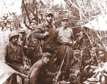 Die Brüder Castro als Mitglieder der Guerillabewegung 26. Juli in der Sierra Maestra