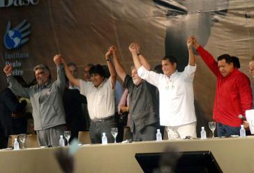 Die Präsidenten der Linksregierung von Paraguay, Fernando Lugo, Bolivien, Evo Morales, Brasilien, Lula da Silva, Equador, Rafael Correa, und Venezuela, Hugo Chávez, beim Weltsozialforum 2009 in Bélem, Brasilien