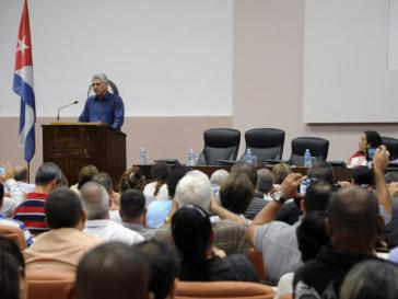 Der Präsident des Staats- und des Ministerrats, Miguel Díaz-Canel, sprach bei der ersten Landeskonferenz der Union der Informatiker Kubas (UIC), an der 350 Informatiker teilnahmen