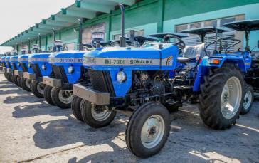 Traktoren aus Indien für Kuba