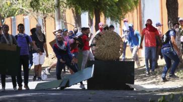 Bei den Protesten gegen die Reform der Sozialversicherung in Nicaragua kommt es wiederholt zu Zusammenstößen zwischen Polizei und gewaltbereiten Demonstranten