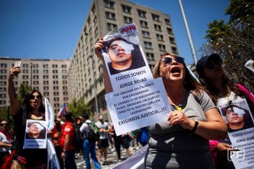 Forderung nach Gerechtigkeit für die Opfer von Polizeibrutalität