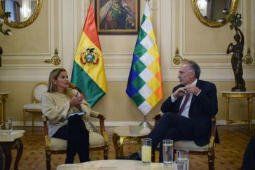 Añez und der UN-Sondergesandte Arnault trafen sich zu ersten Gesprächen in La Paz