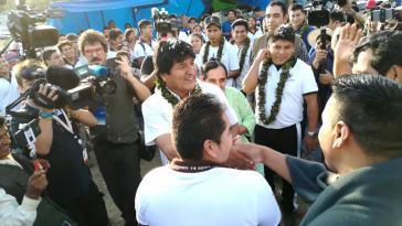 Evo Morales vor der Stimmabgabe in der Gemeinde Villa 14 de Septiembre in Cochabamba