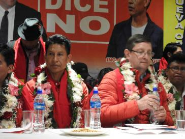 Das Bolivia dice No- Gespann ist zerbrochen: Edwin Rodríguez (links) hat seinen Rückzug erklärt. Rechts von ihm Präsidentschaftskandidat Óscar Ortiz