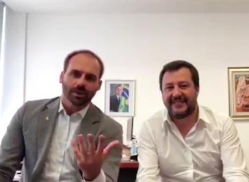 Eduardo Bolsonaro mit Italiens Innenminister und stellvertretendem Ministerpräsidenten, Matteo Salvini, in Mailand