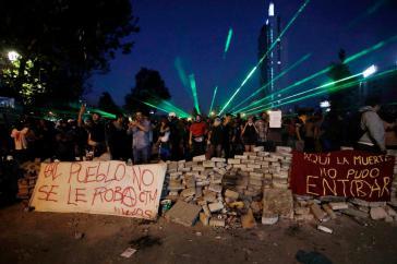 Die Menschen in Chile  gehen weiter auf die Straße. Sie fordern nicht nur die vollständige Reform der Verfassung, sie fordern auch soziale und ökologische Veränderungen