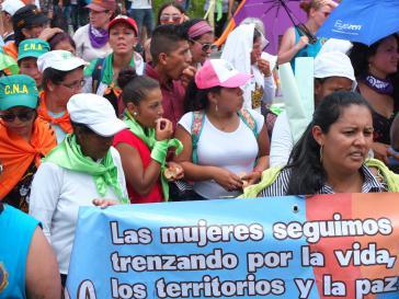 Frauen fordern Frieden, Beteiligung an der Politik und Schutz der Territorien