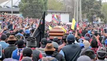 Beerdigung des Todesopfers Segundo Inocencio Tucumbi Vega in Ecuador