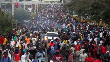 Die Mehrheit der Haitianer geht im ganzen Land gegen die Regierung und für die Lösung der schweren Krise auf die Straße
