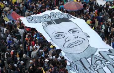 Die Streikenden erinnern an Dilan Cruz: Er wurde von einem Mitglied der Esmad schwer am Kopf verletzt und starb