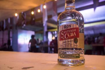 """Der Rum """"Santiago de Cuba"""" wird nun durch ein kubanisch-britisches Joint Venture auch international vermarktet"""