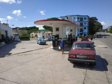 Tankstelle in Havanna am 10. Oktober: Benzin und Diesel sind wieder ohne Wartezeiten verfügbar