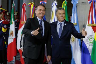 Feiern das Abkommen mit der EU: Die Präsidenten von Brasilien, Jair Bolsonaro (li), und Argentinien, Mauricio Macri, beim Mercosur-Gipfel in Santa Fé, Juli 2019