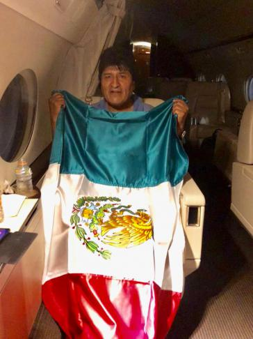 Evo Morales an Bord einer Maschine der mexikanischen Luftwaffe