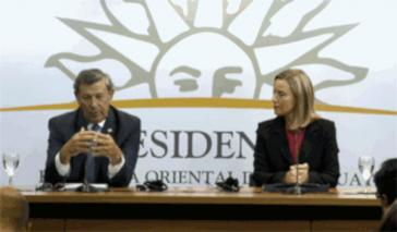 Der Außenminister von Uruguay, Rodolfo Nin Novoa, und die Außenbeauftragte der EU, Federica Mogherini, in Montevideo