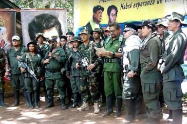 Der Ex-Vize-Kommandant der Farc, Iván Márquez, verkündet die Wiederbewaffnung