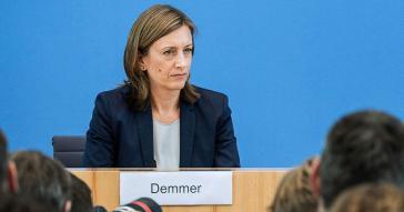 Vize-Regierungssprecherin Ulrike Demmer: Befürwortet Forderung nach Stichwahl in Bolivien