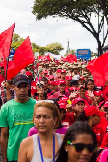 Die Putschisten in den USA und Venezuela haben den Chavismus als Kraft mit Identität und sozialer Verwurzelung wieder unterschätzt (Demonstration in Caracas am 23. Januar 2019)