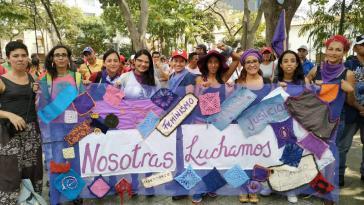 Feministische Organisationen unterstützen die Bolivarische Revolution
