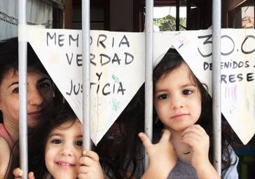 Gedenken an den Jahrestag des Putsches unter Quarantäne in Buenos Aires...