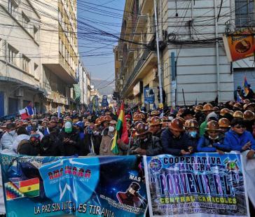Tausende Gewerkschafter waren nach La Paz gekommen, um die Amtseinführung der neuen MAS-Regierung zu schützen