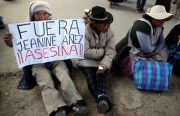 Viel Kritik auch auf der Straße an De-facto-Präsidentin Jeanine Añez
