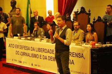 Glenn Greenwald bei einer Veranstaltung zur Verteidigung der Freiheit der Presse, des Journalismus und der Demokratie in São Paulo (9. September 2019)