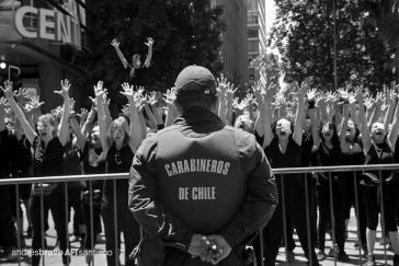 Bei einer Demonstration gegen Polizeigewalt in Santiago