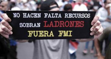 """Protest gegen Deal mit dem IWF in Costa Rica: """"Es fehlt nicht an Mitteln, sondern gibt es Diebe zuhauf. IWF raus"""""""