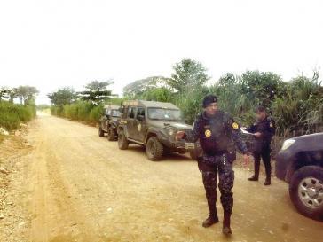 Soldaten kontrollieren während des Ausnahmezustandes den Nordosten von Guatemala