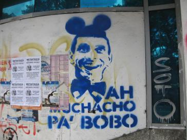 Wandgemälde zum Präsidentschaftswahlkampf 2012 verspottet Capriles' Verbindung zur US-Politik