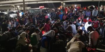 Honduraner:innen, die von den verheerenden Überschwemmungen der Wirbelstürme Eta und Iota betroffen sind und alles verloren haben