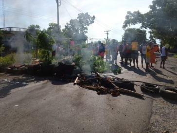 Protest gegen das Verschwindenlassen: Garífuna besetzen mehrere Abschnitte der Küstenstraße und fordern schnelle Ermittlungen