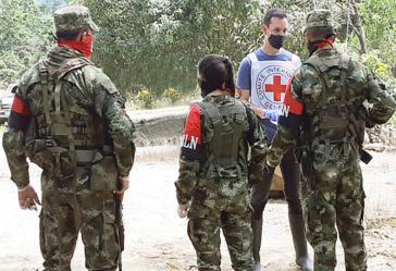 ELN-Einheiten übergaben vergangene Woche sechs Personen einer Kommission des Internationalen Roten Kreuzes