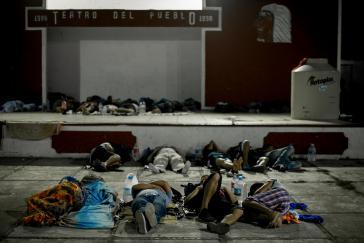 Sollen in ihre Länder zurückkehren: Migranten werden an die Südgrenze gebracht und dort ohne weitere Hilfeleistungen ausgesetzt
