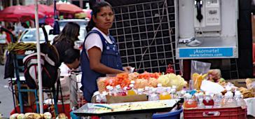 53 Prozent der Bevölkerung Lateinamerikas arbeiten im informellen Sektor und sind von Maßnahmen wie Ausgangssperren besonders hart getroffen
