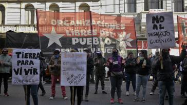 Proteste in Buenos Aires gegen die Zwangsräumung von Guernica