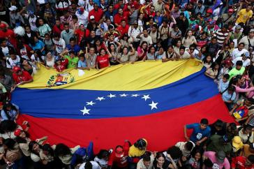 Den Tag der Studierenden am 21. November nahmen Zehntausende zum Anlass, ihr Projekt der Bolivarischen Revolution zu verteidigen und Einmischungen von außen zurückzuweisen